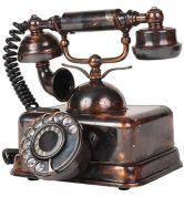 altes-telefon-schraengansicht